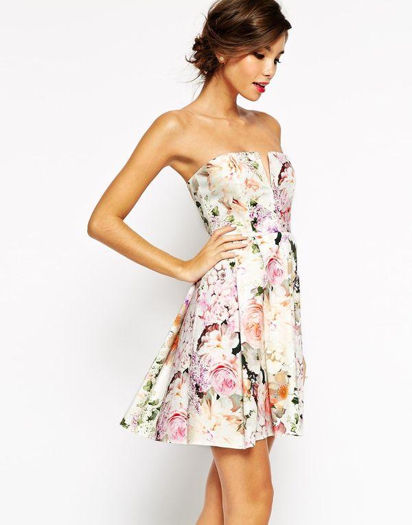 Sukienki w kwiaty - przegląd oferty Asos (FOTO)