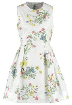 Jakie sukienki dla jabłka i klepsydry?