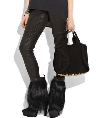 Buty z kozim futrem od A. Wanga