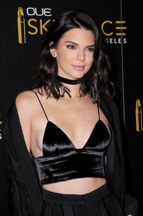 Wystarczył spektakularny upadek i TO nagranie z Kendall Jenner stało się HITEM