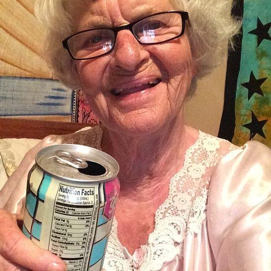 Baddie Winkle, twerkającą 86-latka