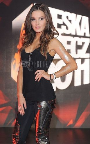Seksowna Marina w czerni (FOTO)