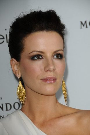 Posągowa Kate Beckinsale