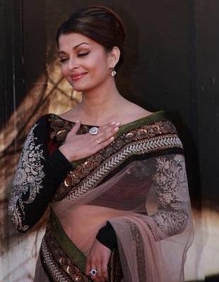 Aishwarya Rai w pięknej sukni (FOTO)