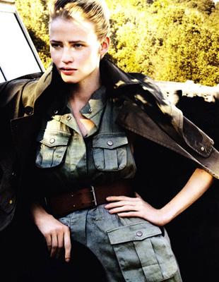 Lara Stone otwiera nowy rok w Vogue US (FOTO)