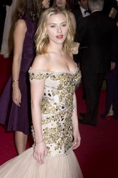 Scarlett Johansson na czerwonym dywanie