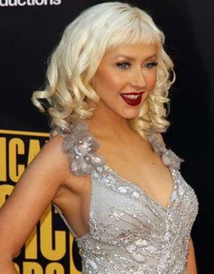 Christina Aguilera - z grzywką czy bez?