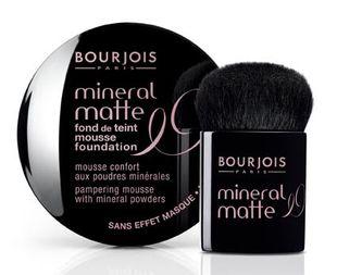 Nowośći: podkład w musie Mineral Matte Bourjois