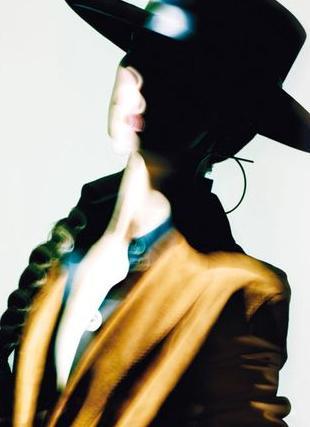 Artystyczna kampania reklamowa Hermes wiosna/lato 2011