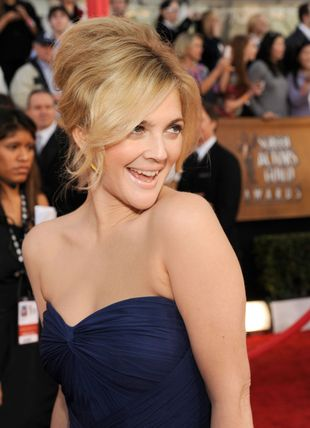 Drew Barrymore błyszczy na czerwonym dywanie