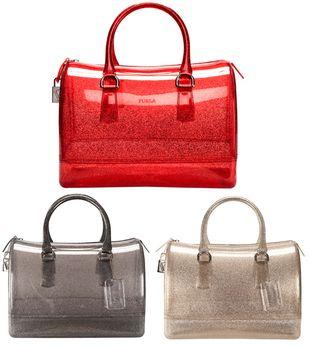 Błyszczące torby od marki Furla