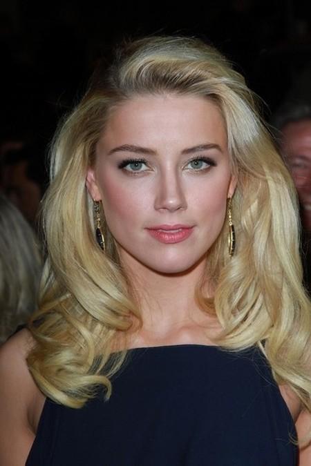 Amber Heard zanim schudła - kreacje, makijaże i fryzury