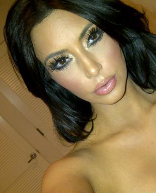Kim Kardashian powinna zmienić makijażystkę