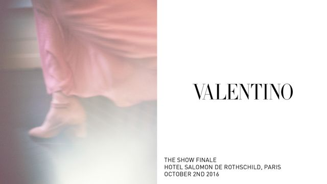 Twórcy kampanii reklamowej Valentino nie przyłożyli się do swojej pracy?