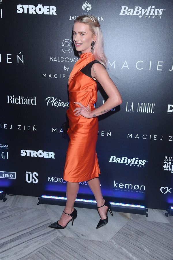 Maff, prosimy! Nie zakładaj na siebie nigdy więcej tej sukienki! (FOTO)
