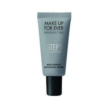 Podczas porannego makijażu nie stosujesz bazy? Popełniasz spory błąd