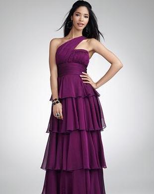 Jessica Simpson zaprojektowała suknie na bal licealny