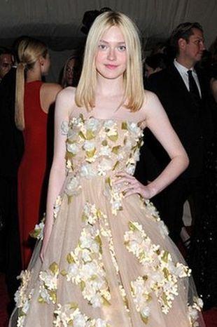 Dakota Fanning w przepięknej sukni od Valentino (FOTO)