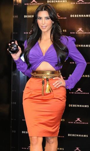 Kim Kardashian - fiolet i oranż od Gucci (FOTO)