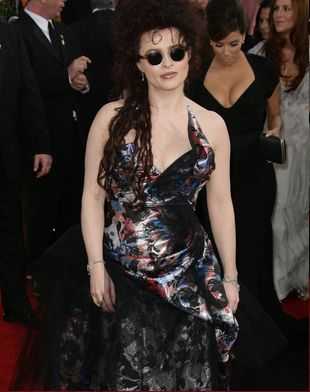 Helena Bonham-Carter założyła dwa różne buty (FOTO)