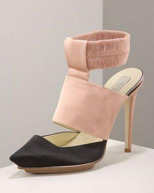 Buty z mankietami robią furorę