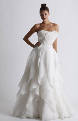 Marchesa wprowadza tańszą linię sukien ślubnych