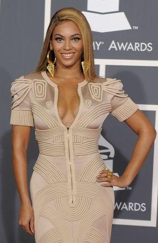Beyonce prezentuje krągłości na Grammy Awards