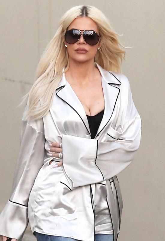 Nowe zdjęcie Khloe Kardashian jest przerażające! Fani: Co się z tobą dzieje?!