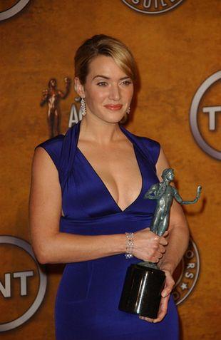 Kate Winslet w elektrycznym niebieskim