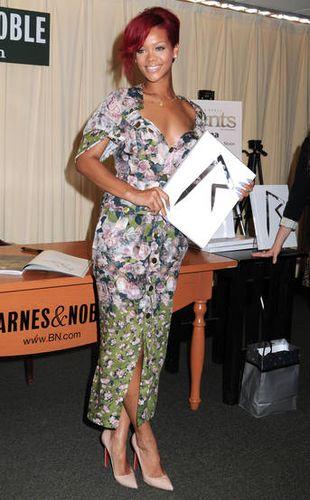 Rihanna w sukience od Jean Paul Gaultiera (FOTO)