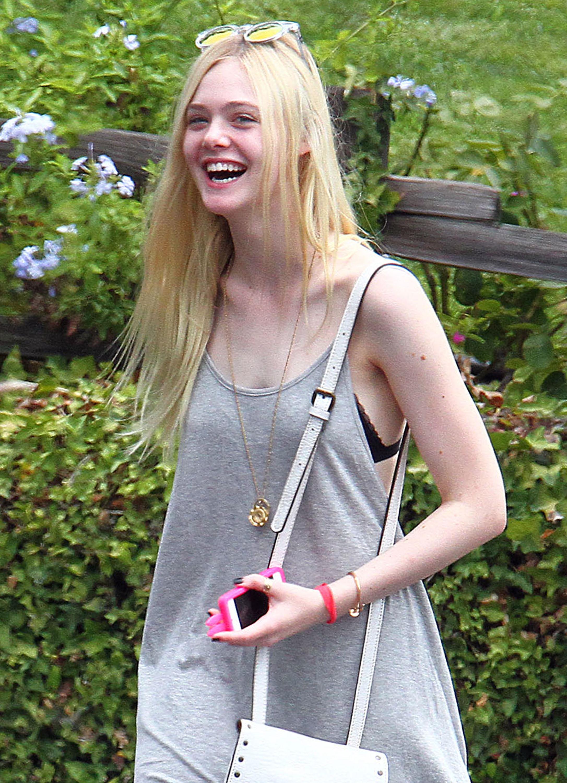 Elle Fanning w wersji blond