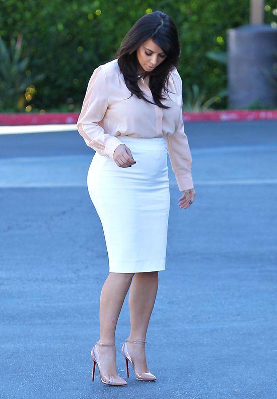 Ciążowe stylizacje Kim Kardashian