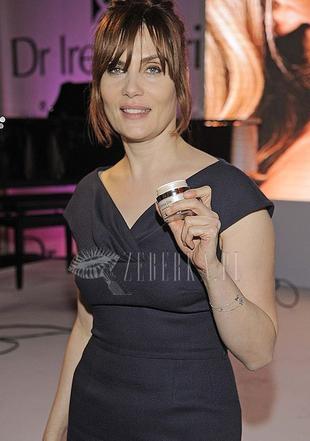 Emmanuelle Seigner u Ireny Eris