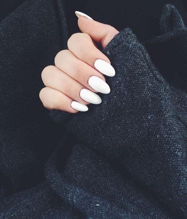 Biały manicure - hit na tegoroczny sezon jesienno-zimowy