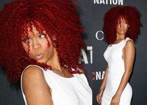 Rihanna w czerwonej peruce afro (FOTO)