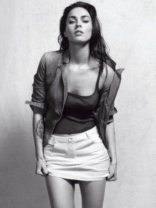 Megan Fox w  reklamie bielizny Armaniego (film)