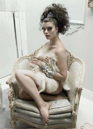 Crystal Renn w Elle Canada