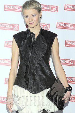 Małgorzata Kożuchowska postawiła na mini (FOTO)