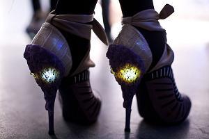 Fantastyczne buty ze światełkiem od Rodarte