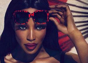 Naomi Campbell promuje okulary Dolce & Gabbana (FOTO)