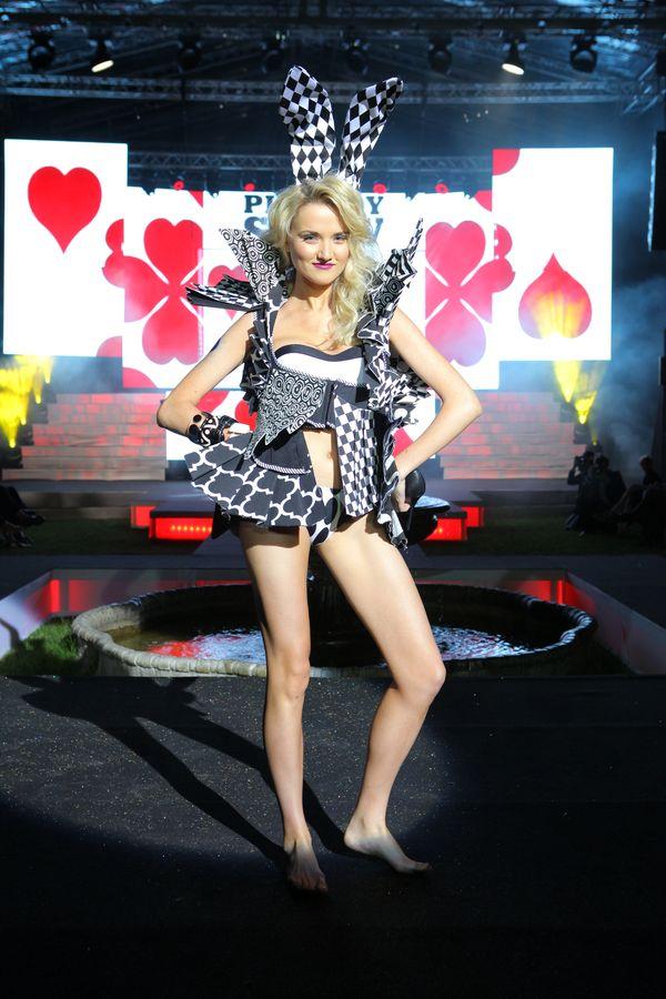 Playboy zorganizował show w stylu Victoria's Secret