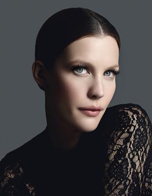 Liv Tyler reklamuje tusz do rzęs Givenchy