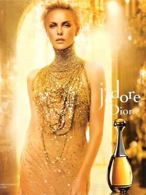Charlize Theron w reklamie J'Adore Dior (VIDEO)