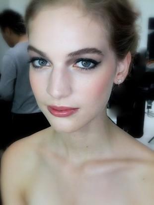 Zimowy makijaż według Andrei Claire