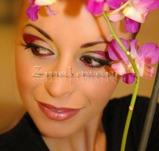 Kolorowe makijaże na nadchodzącą wiosnę