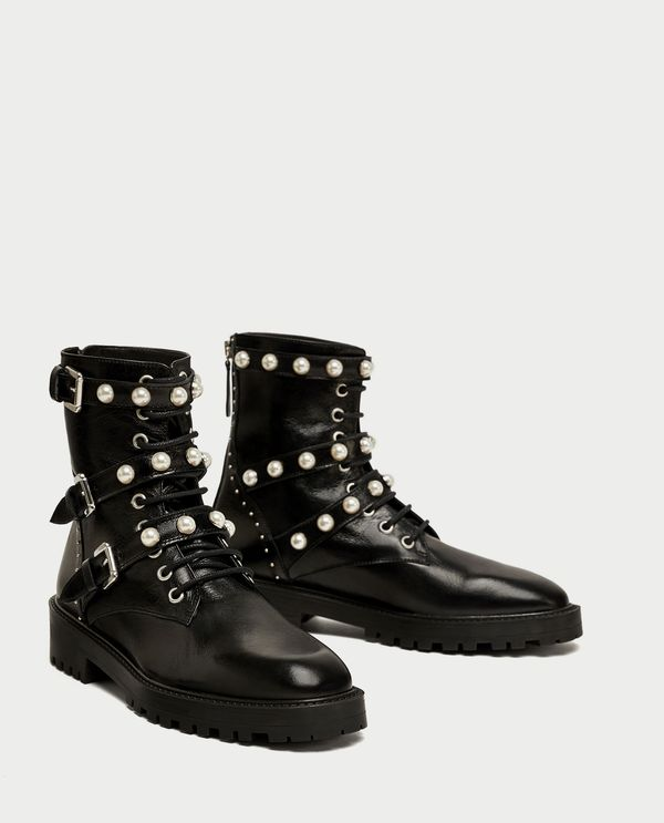 Te buty z Zary podbijają internet! Stacjonarnie możecie mieć problem z zakupem!