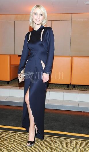 Joanna Orleańska nie zapanowała nad sukienką