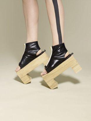 Drewniane buty od Benoit Melaarda (FOTO)