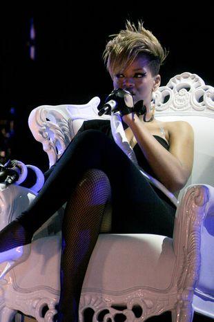 Rihanna jak... pterodaktyl?