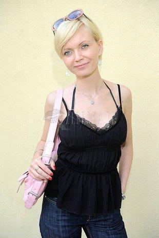 Olga Borys nosi torebkę, która krzyczy